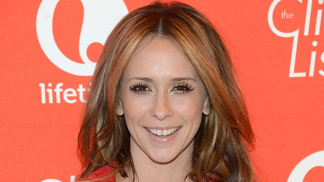 News video: Jennifer Love Hewitt Weds & Gives Birth!